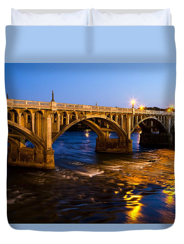 Gervais Street Bridge Duvet Cover featuring the photograph Gervais Street Bridge At Twilight by Charles Hite