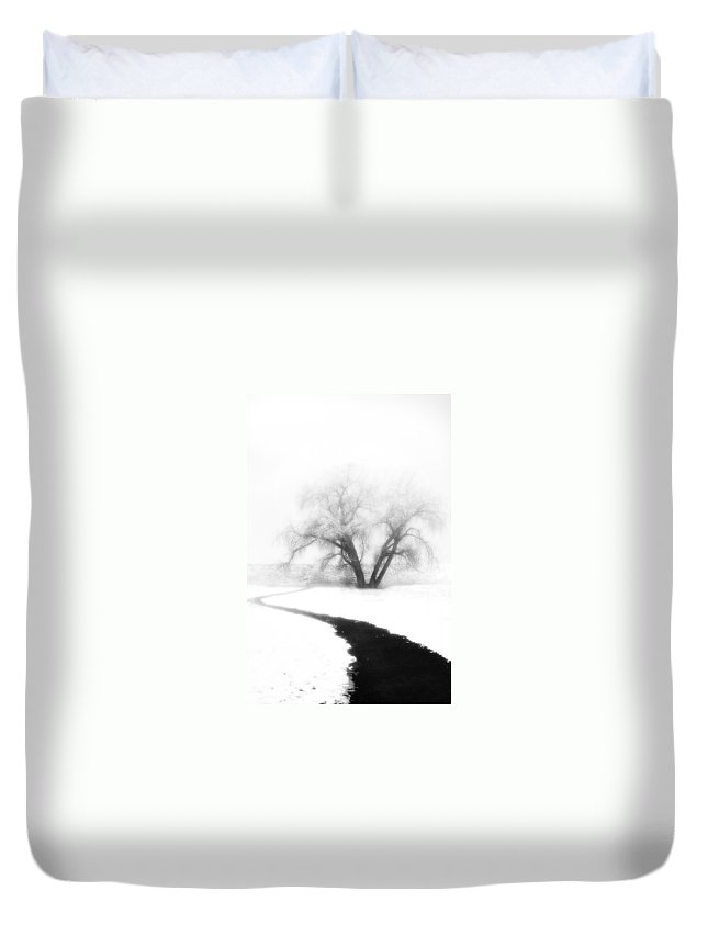 Tree Duvet Cover featuring the photograph Getting There by Marilyn Hunt