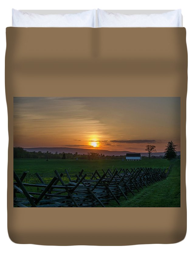 Gettysburg Duvet Cover featuring the photograph Gettysburg At Sunset by Bill Cannon