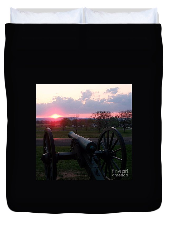 Gettysburg Cannon Duvet Cover featuring the painting Gettysburg Cannon by Eric Schiabor