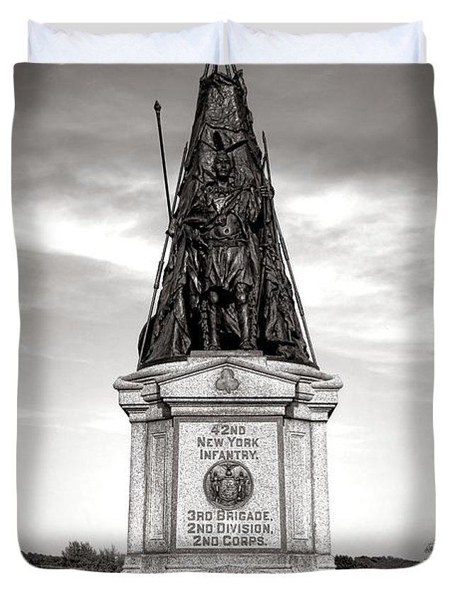 Gettysburg Duvet Cover featuring the photograph Gettysburg National Park 42nd New York Infantry Monument by Olivier Le Queinec