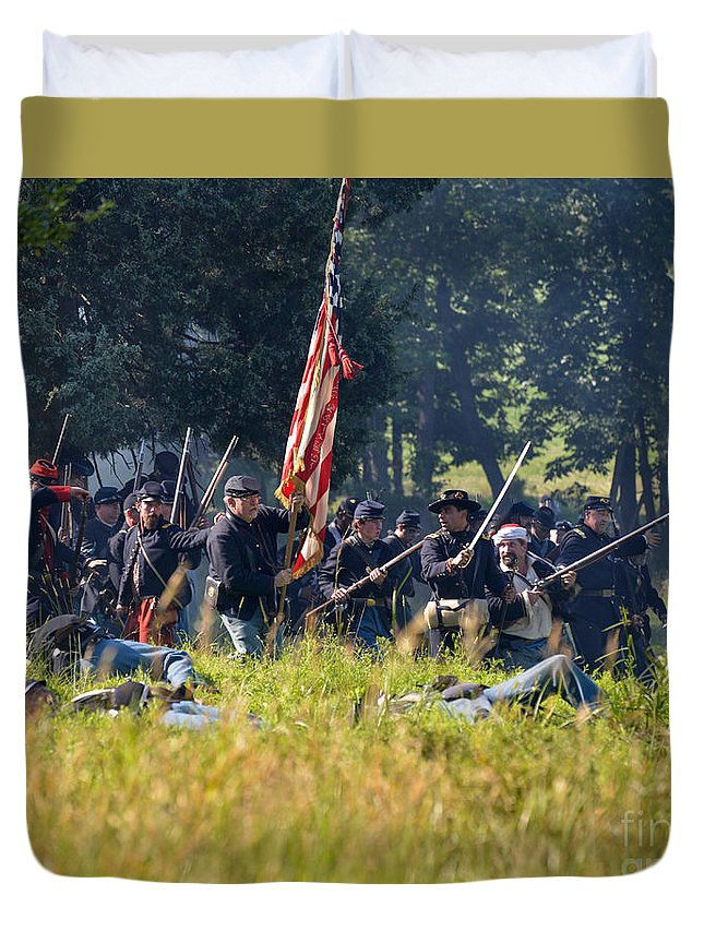 150th Duvet Cover featuring the photograph Gettysburg Union Infantry 9348c by Cynthia Staley