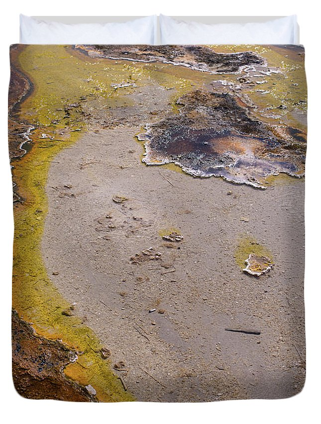 Wyoming Duvet Cover featuring the photograph Geyser Basin Springs 4 by Tracy Knauer