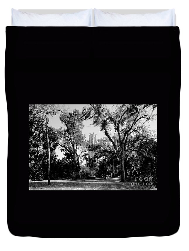 Bok Tower Duvet Cover featuring the photograph Ghostly Bok Tower by David Lee Thompson