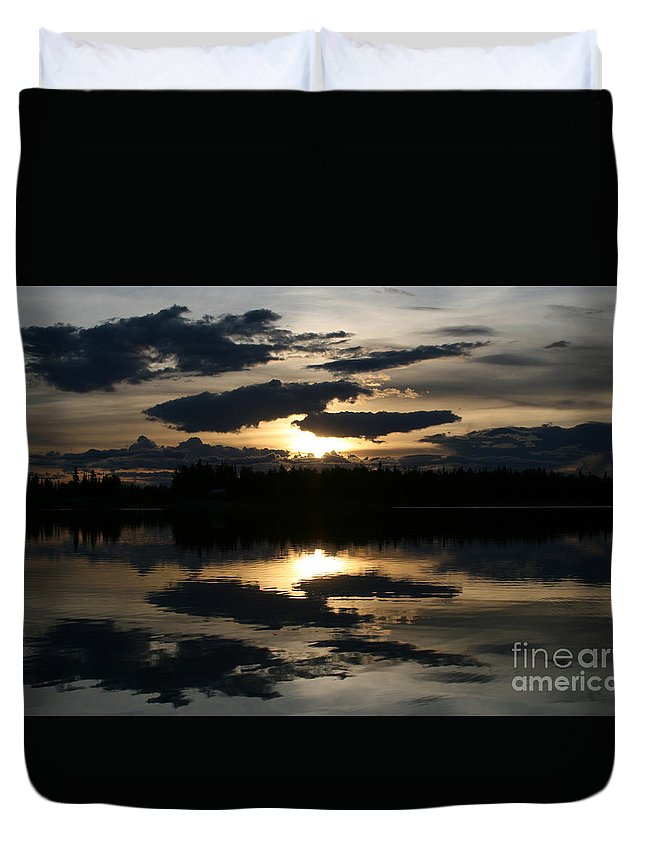 Chena Lakes Duvet Cover featuring the photograph Gifts Of The Heart by Sharon Mau