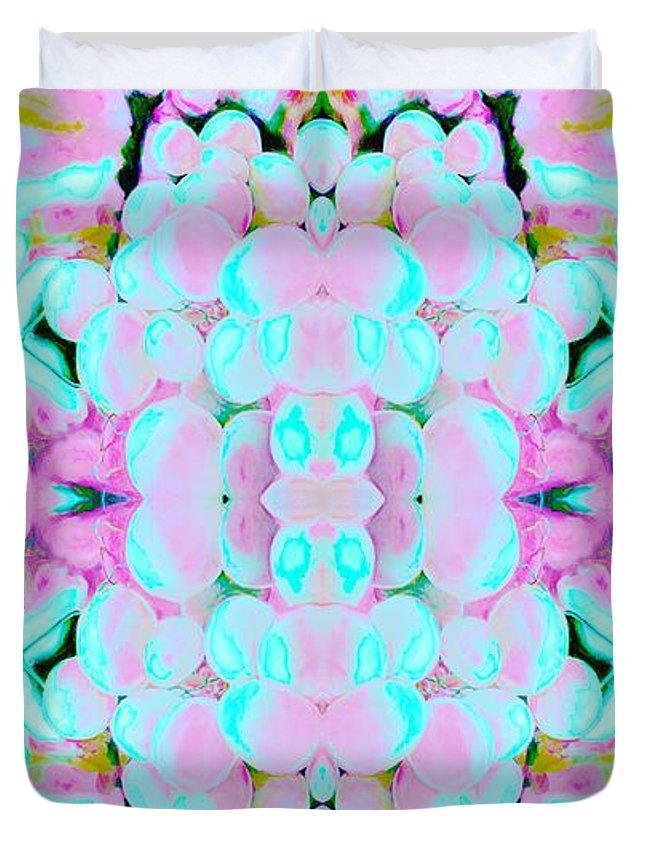 Pattern Duvet Cover featuring the digital art Gilbert by Elisabeth Skajem Atter