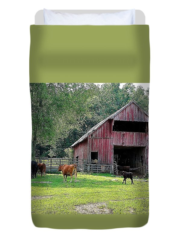 Landscapes Duvet Cover featuring the photograph Gladeville Farm by Jan Amiss Photography