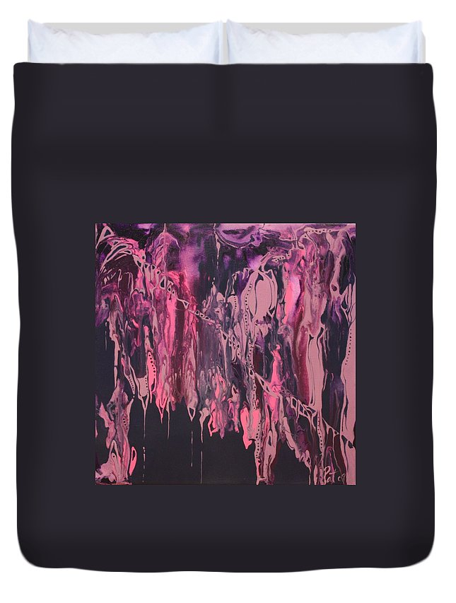 Abstract Duvet Cover featuring the painting Glamour Puss by Pat Purdy