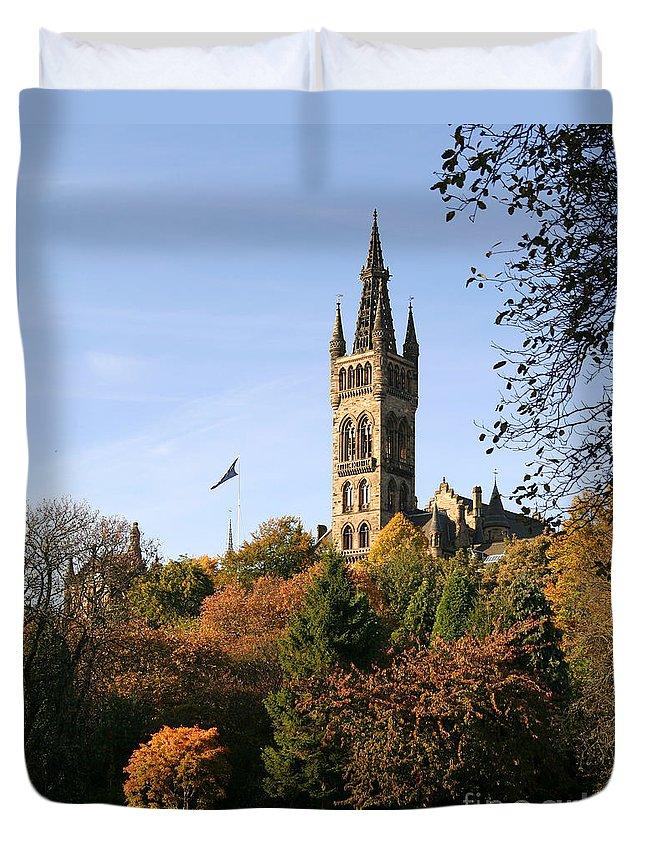 Glasgow University Duvet Cover featuring the photograph Glasgow University by Liz Leyden