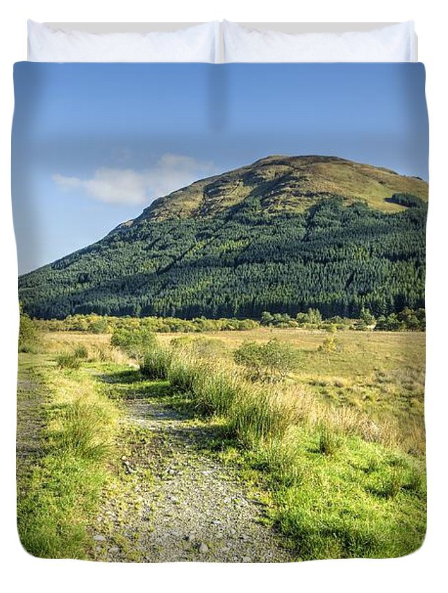 Glen Duvet Cover featuring the photograph Glen Lyon by Smart Aviation