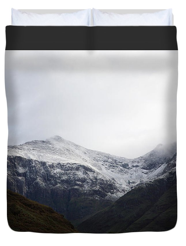 Capped Duvet Cover featuring the photograph Glencoe Shrouded In Mist by Deborah Benbrook