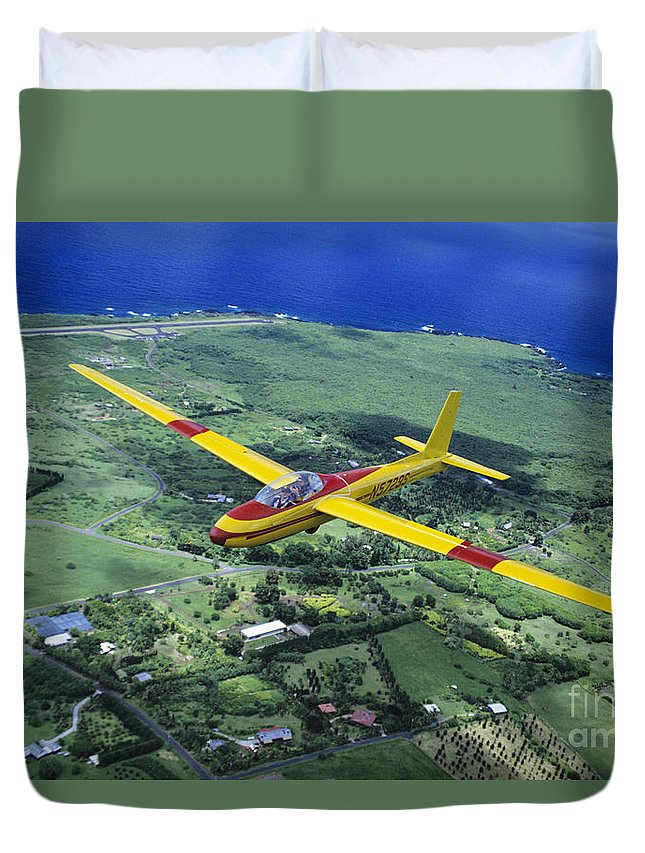 Aerial Duvet Cover featuring the photograph Gliding Over Hana by Ray Mains - Printscapes