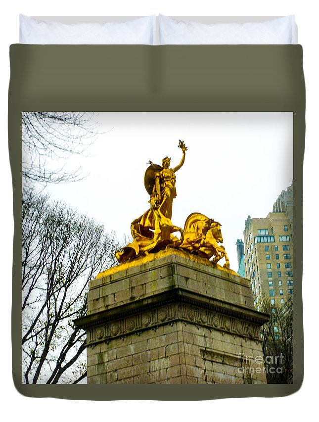 New York Central Park Duvet Cover featuring the photograph Gloden Maine Statue By Central Park New York by William Rogers