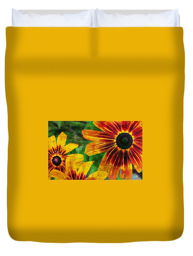 Flower Duvet Cover featuring the photograph Gloriosa Daisy by JAMART Photography