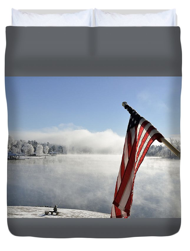Winter Scene Duvet Cover featuring the photograph Glorious Winter Day by Glenda Ward
