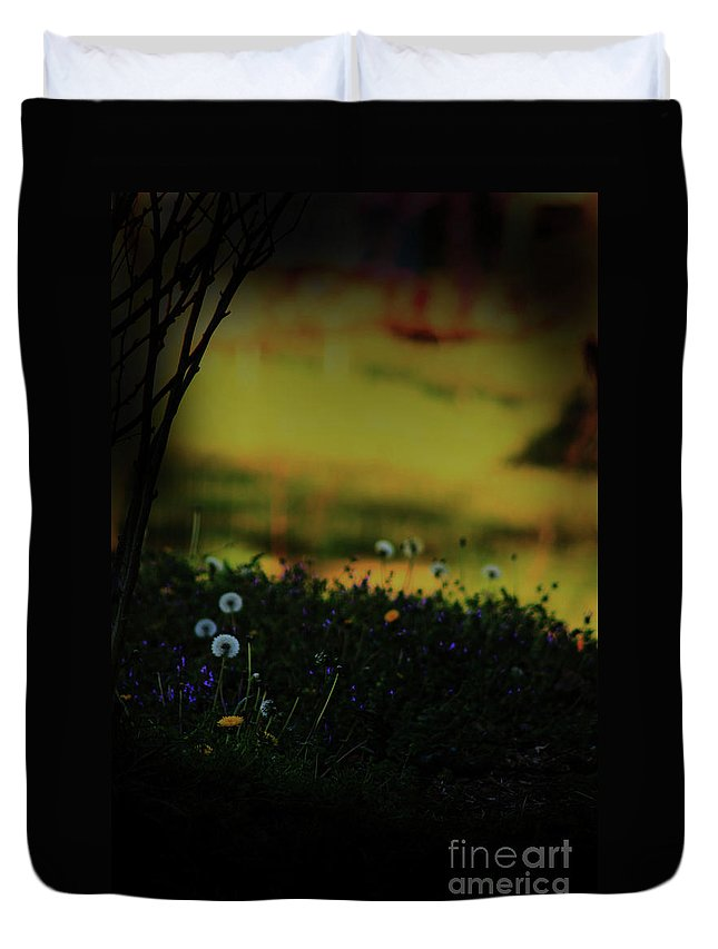 Nature Duvet Cover featuring the photograph Glowing by Kim Henderson