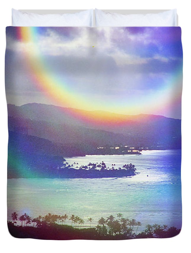Maunalua Bay Duvet Cover featuring the photograph Gods Eye by Kevin Smith