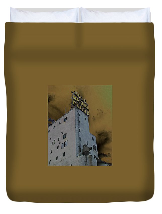 Minneapolis Duvet Cover featuring the photograph Gold Medal Flour by Tom Reynen
