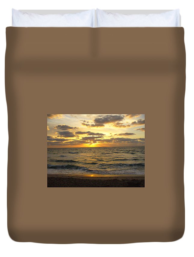 Seahsore Duvet Cover featuring the photograph Golden Sunrise by Peggy King