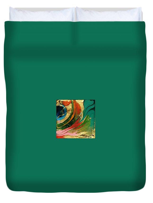 Lin Petershagen Duvet Cover featuring the painting Goldy by Lin Petershagen