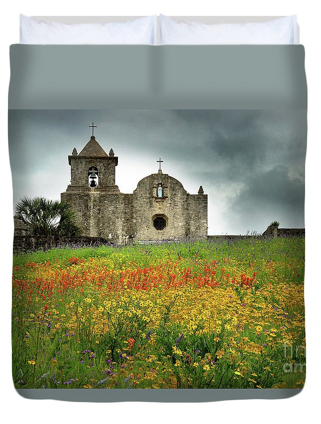 Landscape Duvet Cover featuring the photograph Goliad In Spring by Jon Holiday