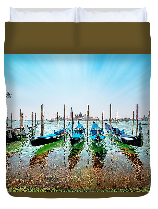 Sea Duvet Cover featuring the photograph Gondola by Ivan Vukelic