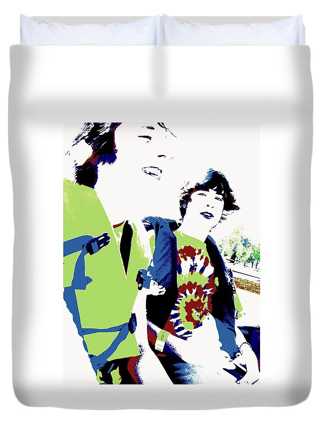 Good Friends Duvet Cover featuring the photograph Good Friends by Ed Smith
