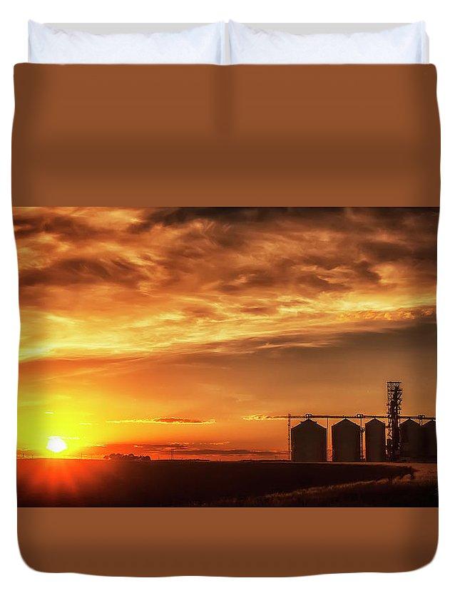 Sunset Duvet Cover featuring the photograph Good Night Sun by Steve Sullivan