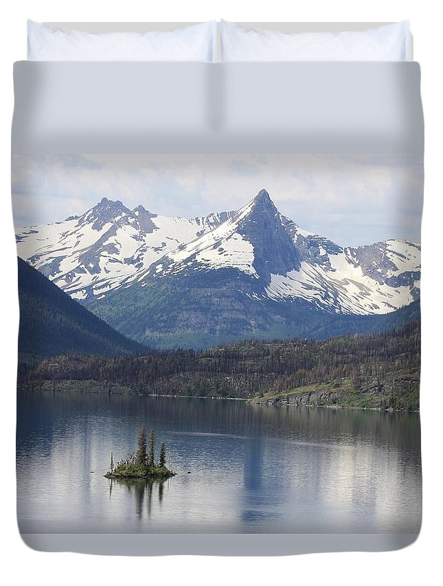 Duvet Cover featuring the photograph Goose Island by Michael Cressy