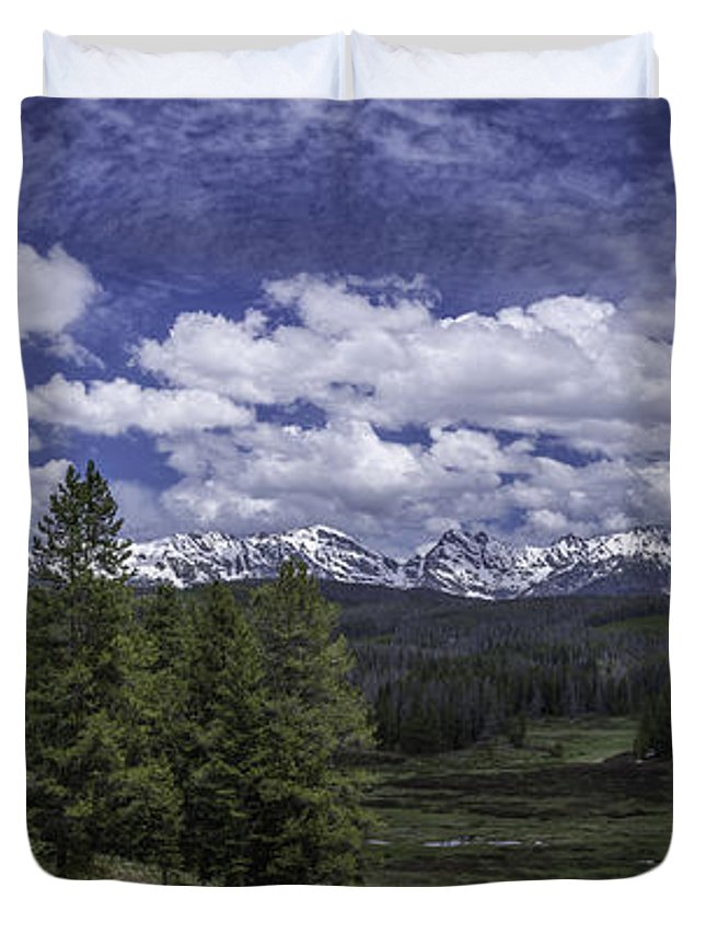 Gore Range Duvet Cover featuring the photograph Gore Range by Bitter Buffalo Photography