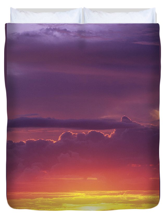 Afternoon Duvet Cover featuring the photograph Gorgeous Sunset by Carl Shaneff - Printscapes