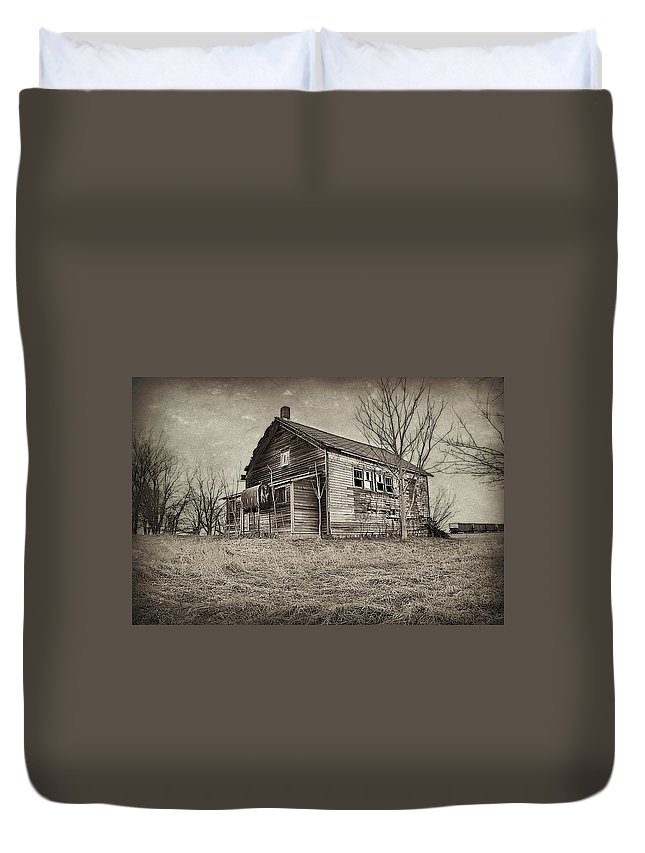 Depots Duvet Cover featuring the photograph Grain Weigh Depot by Toni Abdnour