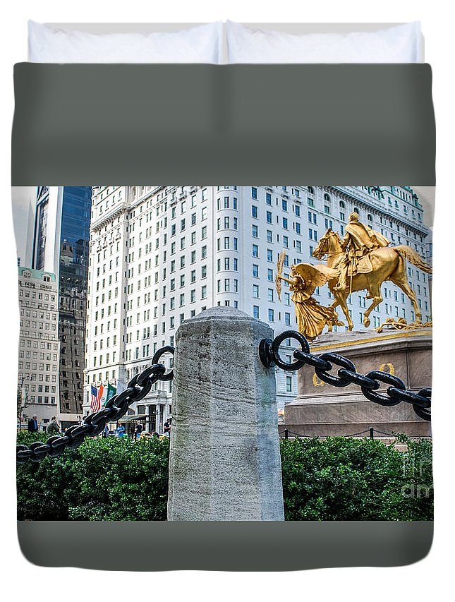 59th Duvet Cover featuring the photograph Grand Army Plaza 14 by Anakin13
