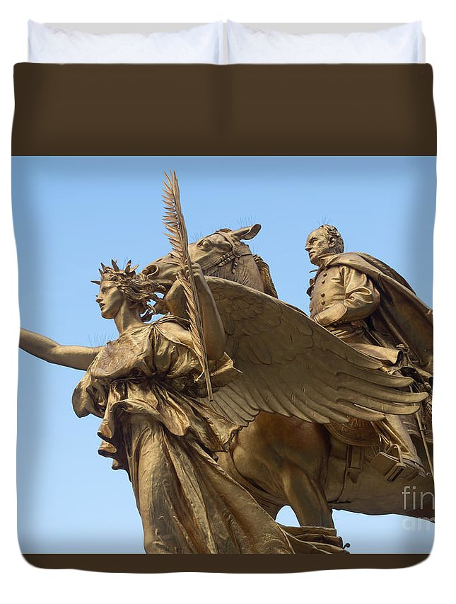 59th Duvet Cover featuring the photograph Grand Army Plaza 4 by Anakin13
