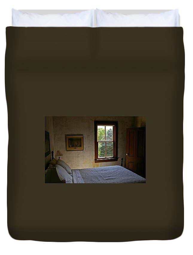 Bedroom Duvet Cover featuring the photograph Grandma by Tom Reynen