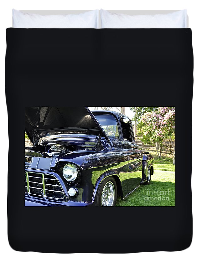 Clay Duvet Cover featuring the photograph Grape Fully Blown Pickup by Clayton Bruster