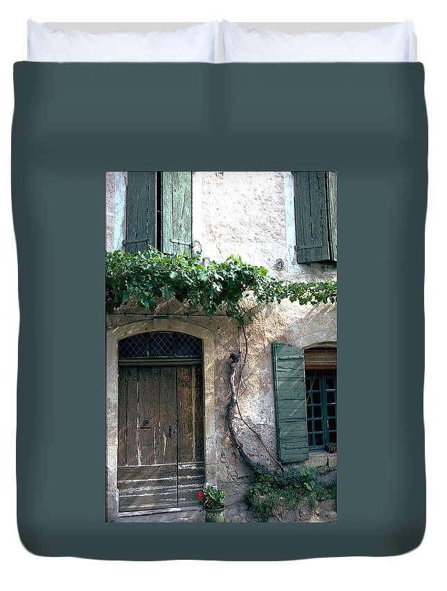Grapevine Duvet Cover featuring the photograph Grapevine by Flavia Westerwelle