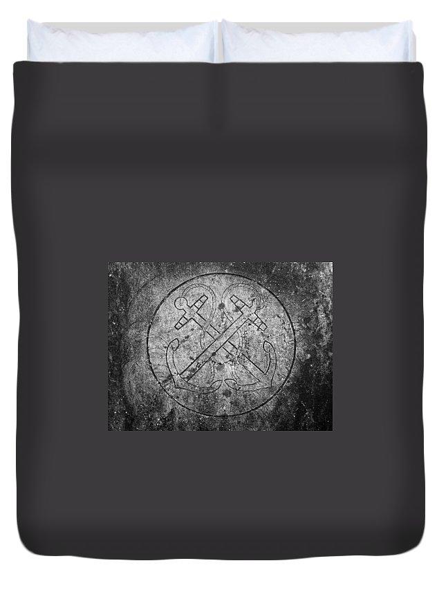Irish Duvet Cover featuring the photograph Grave Of Cadet Soady Macroom Ireland by Teresa Mucha