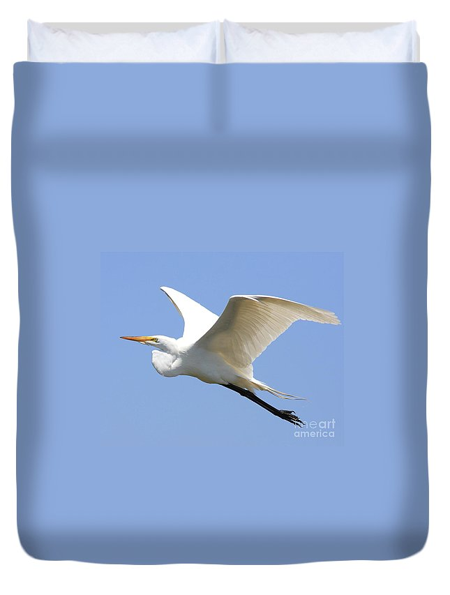Bird Duvet Cover featuring the photograph Great White Egret In Flight . 40d6845 by Wingsdomain Art and Photography