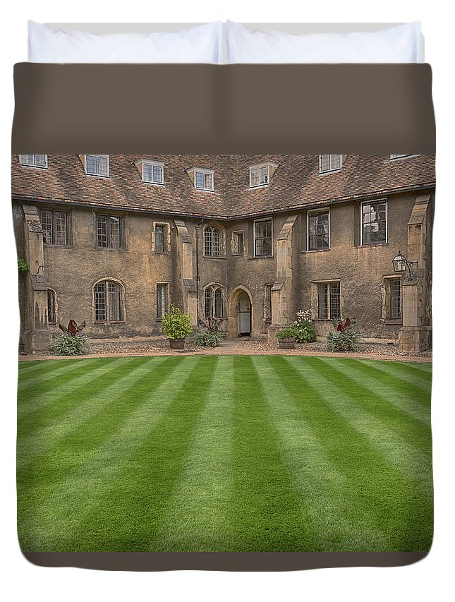 Cambridge Duvet Cover featuring the photograph Green College Yard by Monika Tymanowska