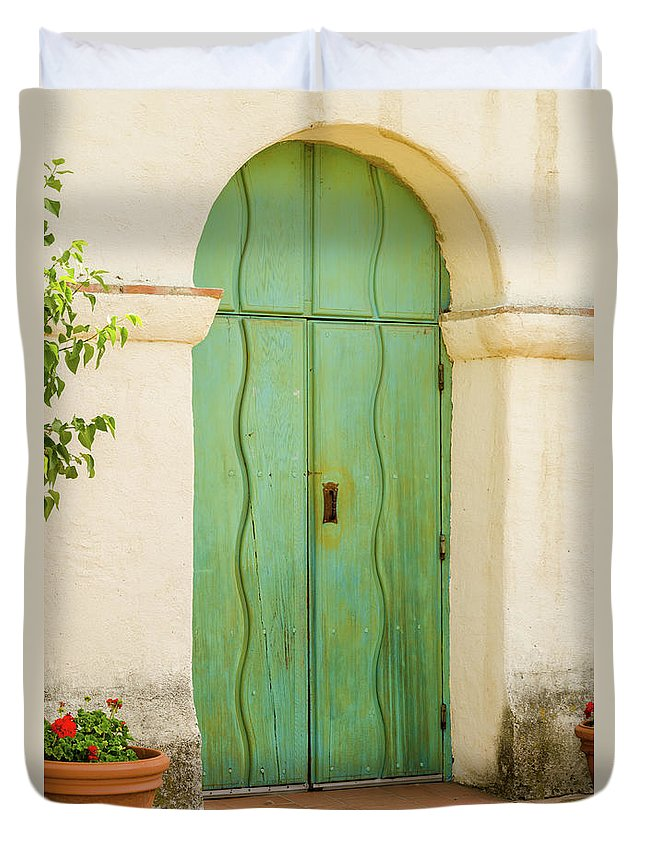 Landscape Duvet Cover featuring the photograph Green Door by Javier Flores