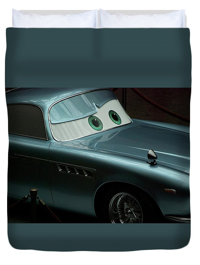 Finn Mcmissile Duvet Cover featuring the photograph Green Eyed Finn McMissile MP by Thomas Woolworth