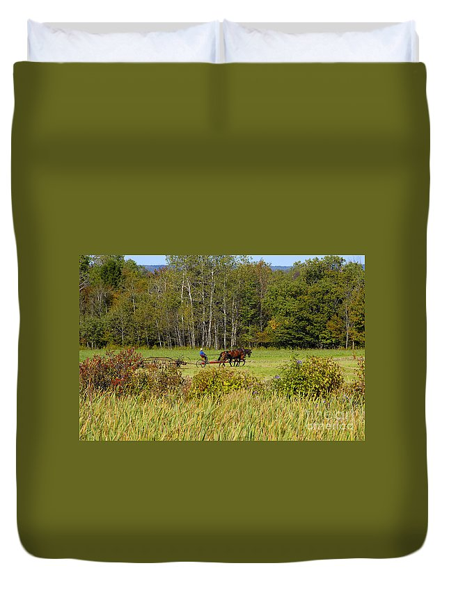 Green Farming Duvet Cover featuring the photograph Green Farming by David Lee Thompson
