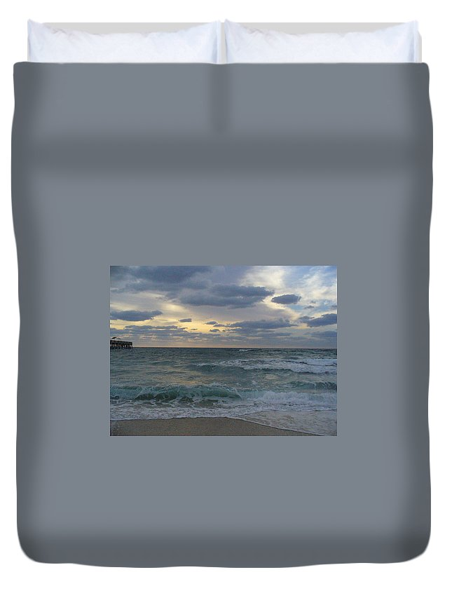 Seascape Duvet Cover featuring the photograph Grey Dawn by Peggy King