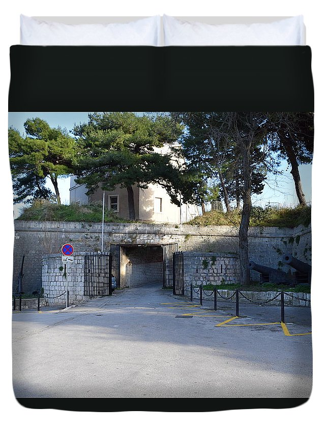 Gripe Duvet Cover featuring the photograph Gripe Fort Entrance by Toni Susnjar