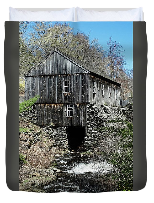 Grist Mill Duvet Cover featuring the photograph Grist Mill At Moore State Park by Bill Dussault