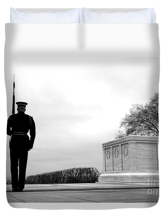 Tomb Duvet Cover featuring the photograph Guarding The Unknown Soldier by Olivier Le Queinec