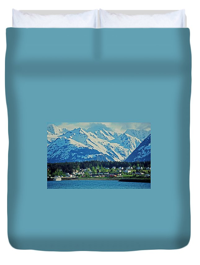 North Duvet Cover featuring the photograph Haines - Alaska by Juergen Weiss