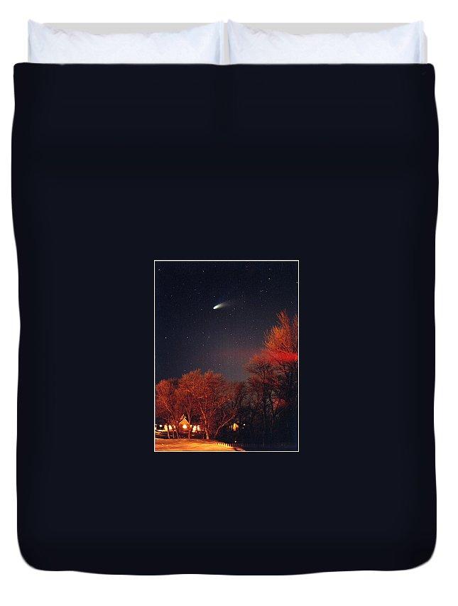 Comet Duvet Cover featuring the photograph Hale-bopp Comet by Nancy Mueller