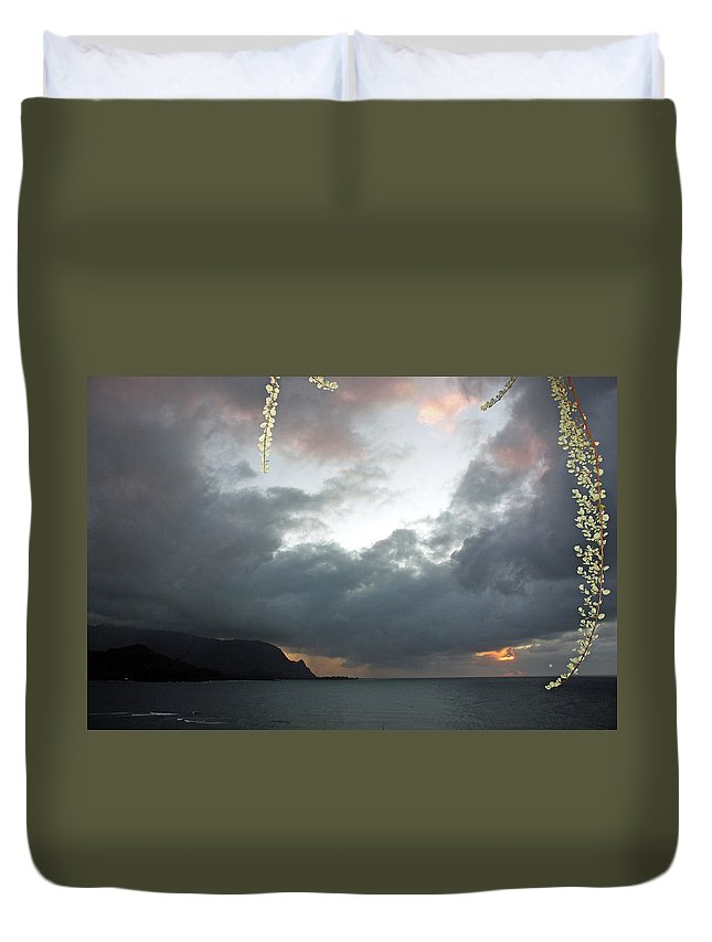 Kauai Photos Duvet Cover featuring the photograph Hanalei Bay Sunset by Kathy Yates